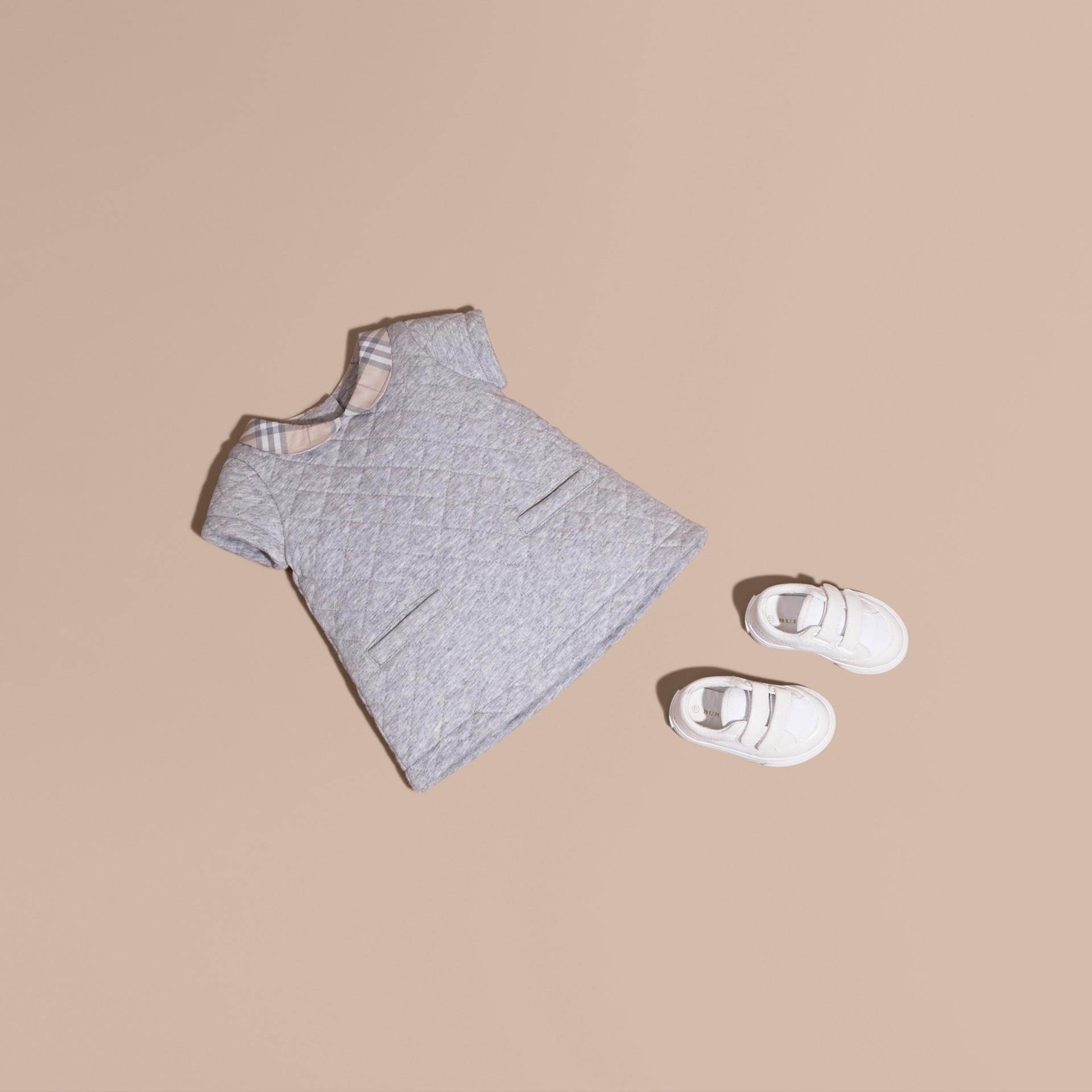Grey melange Vestido de algodão acolchoado com colarinho xadrez - galeria de imagens 1