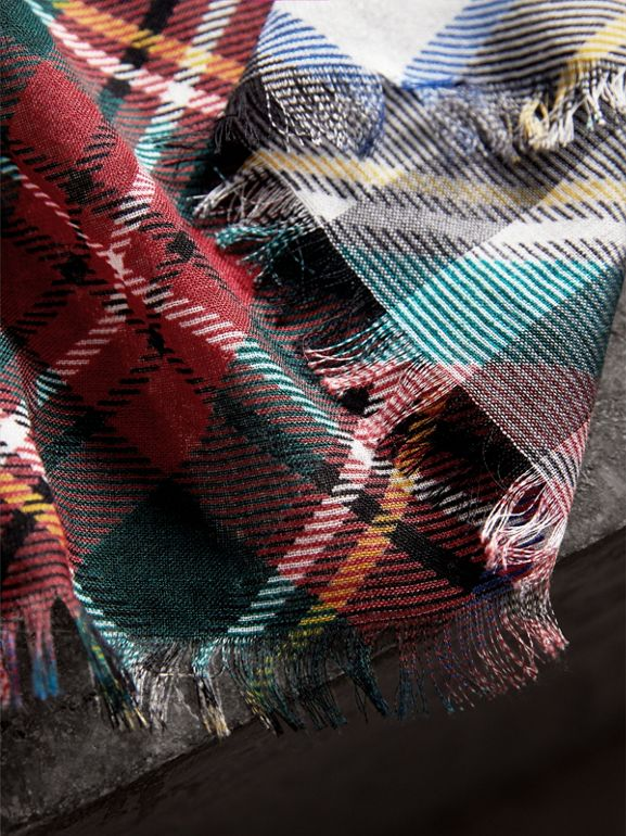 Tartan and Check Wool-silk Scarf in Red | Burberry - cell image 1