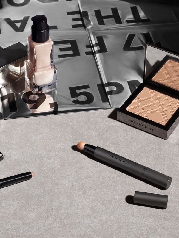Burberry Cashmere Concealer – Porcelain No.01 - Women | Burberry Singapore - cell image 3