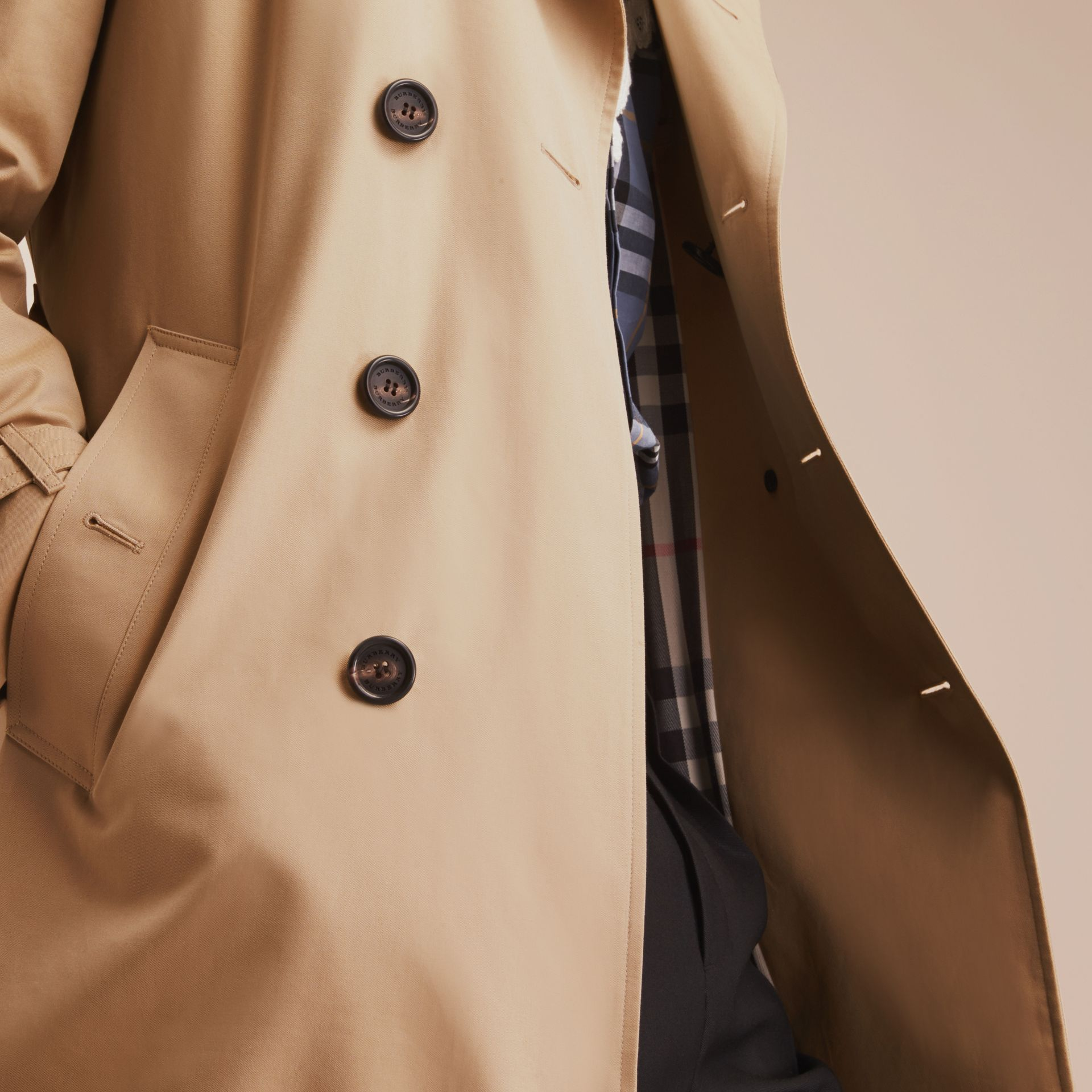 Miel Trench-coat Heritage mi-long The Chelsea Miel - photo de la galerie 7