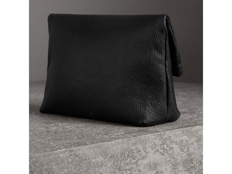 The Medium Pin Clutch in Leather in Black - Women | Burberry Hong Kong - cell image 4
