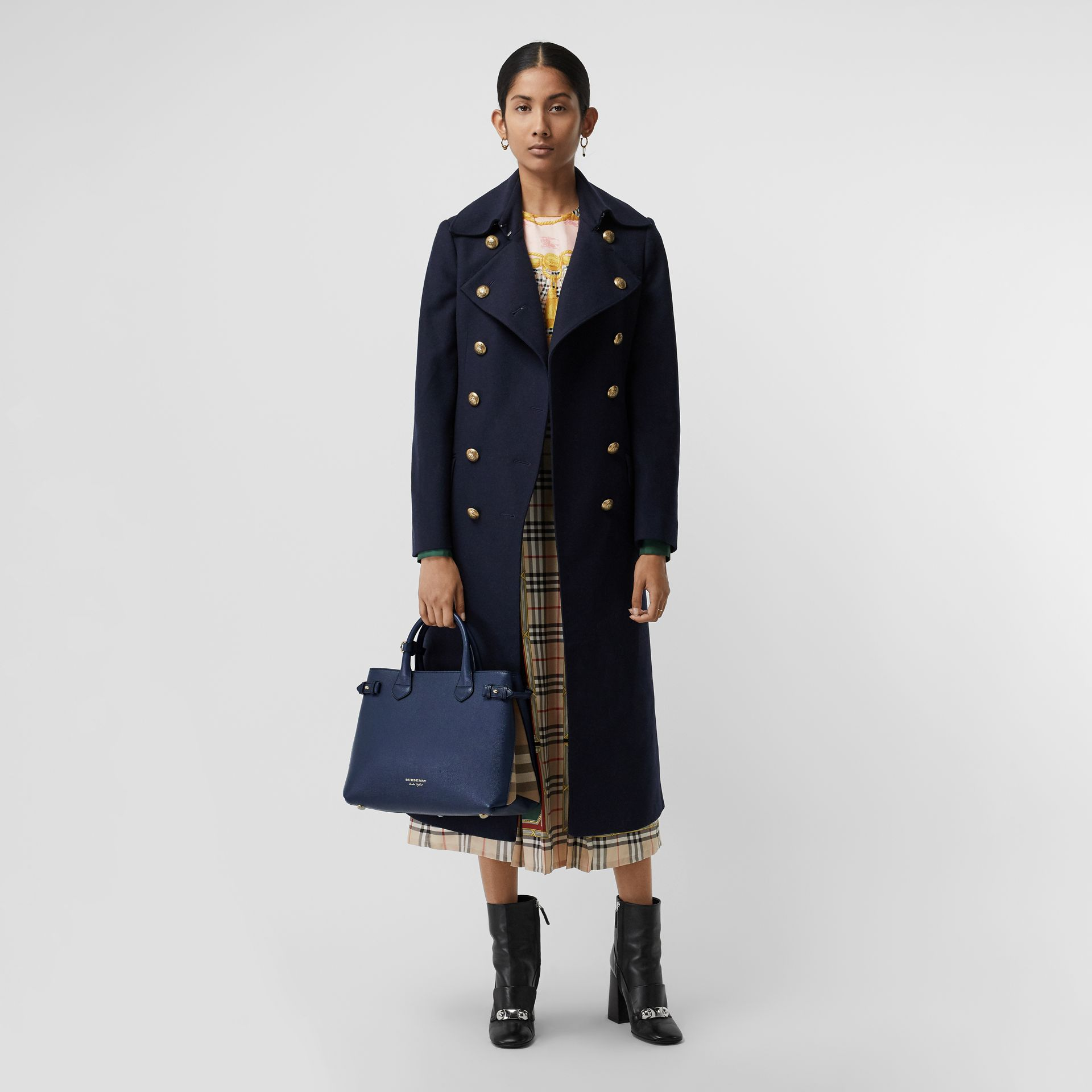 The Medium Banner in Leather and House Check in Ink Blue - Women | Burberry Singapore - gallery image 2