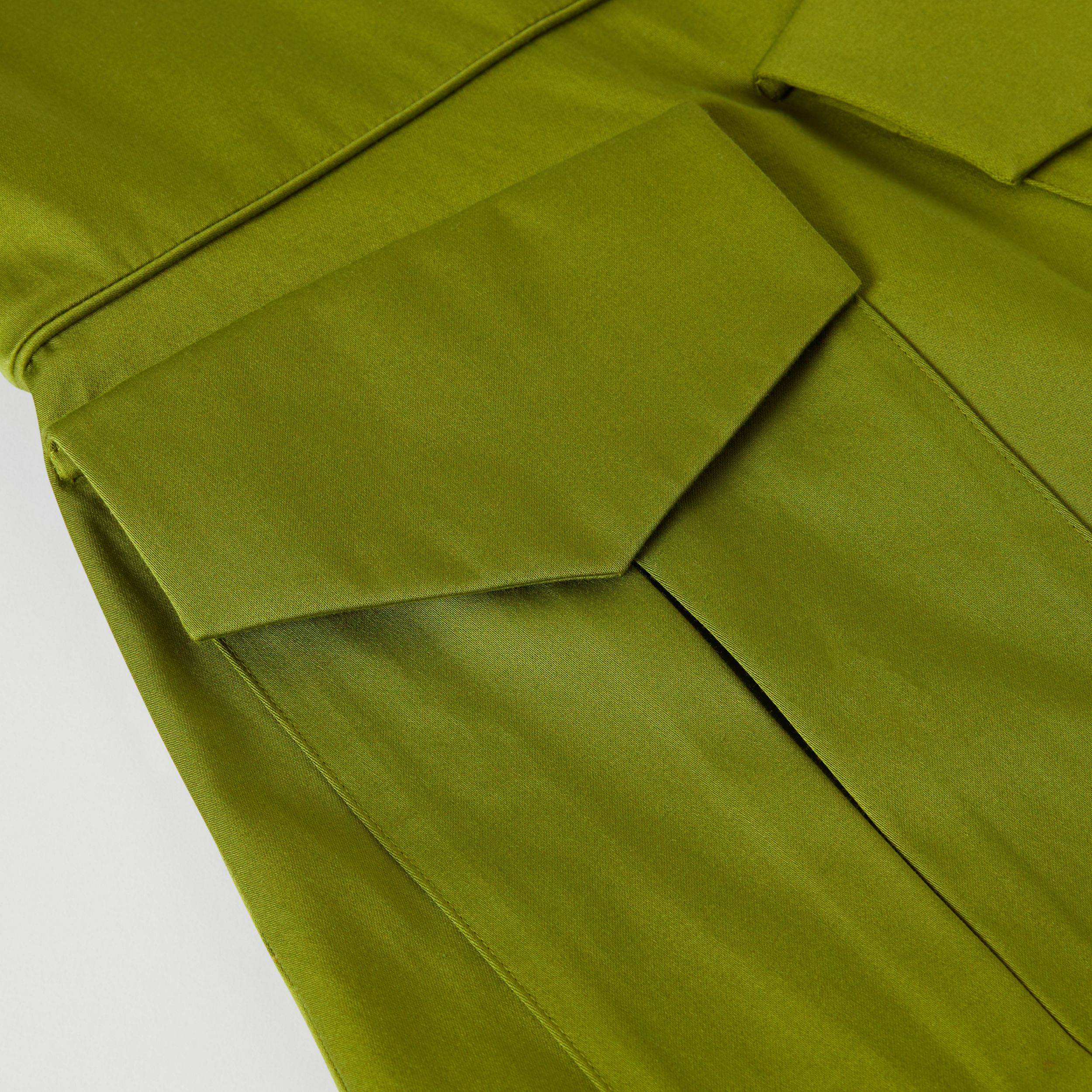 Short-sleeve Cotton Sateen Funnel Neck Dress in Bright Green | Burberry - 2