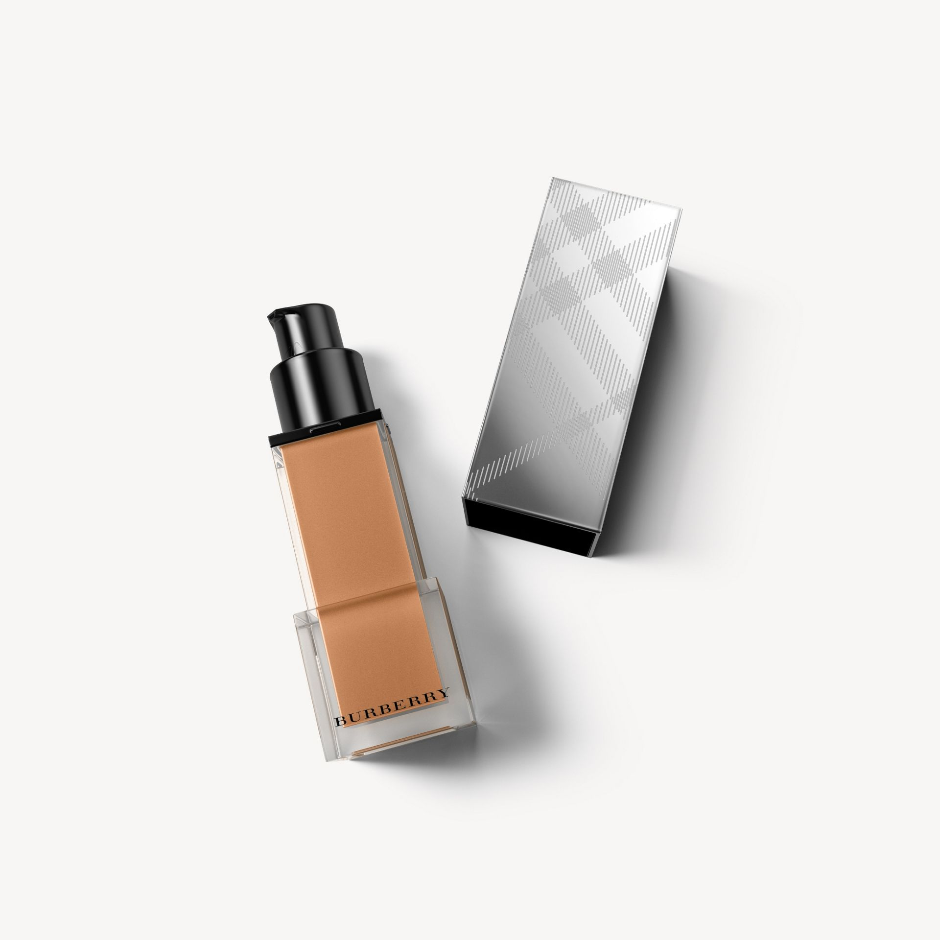 Fresh Glow Foundation SPF 15 PA+++ – Dark Sable No.36 - Femme | Burberry - photo de la galerie 1