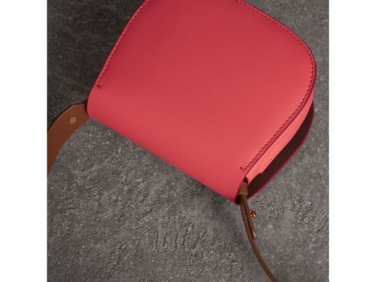 The Satchel in Leather in Bright Peony - Women | Burberry Singapore - cell image 4
