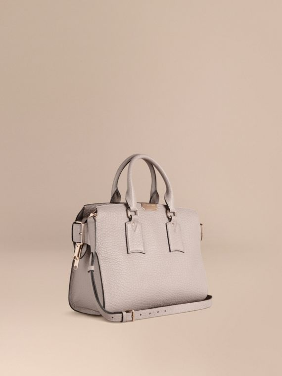 The Medium Clifton in Signature Grain Leather Pale Grey