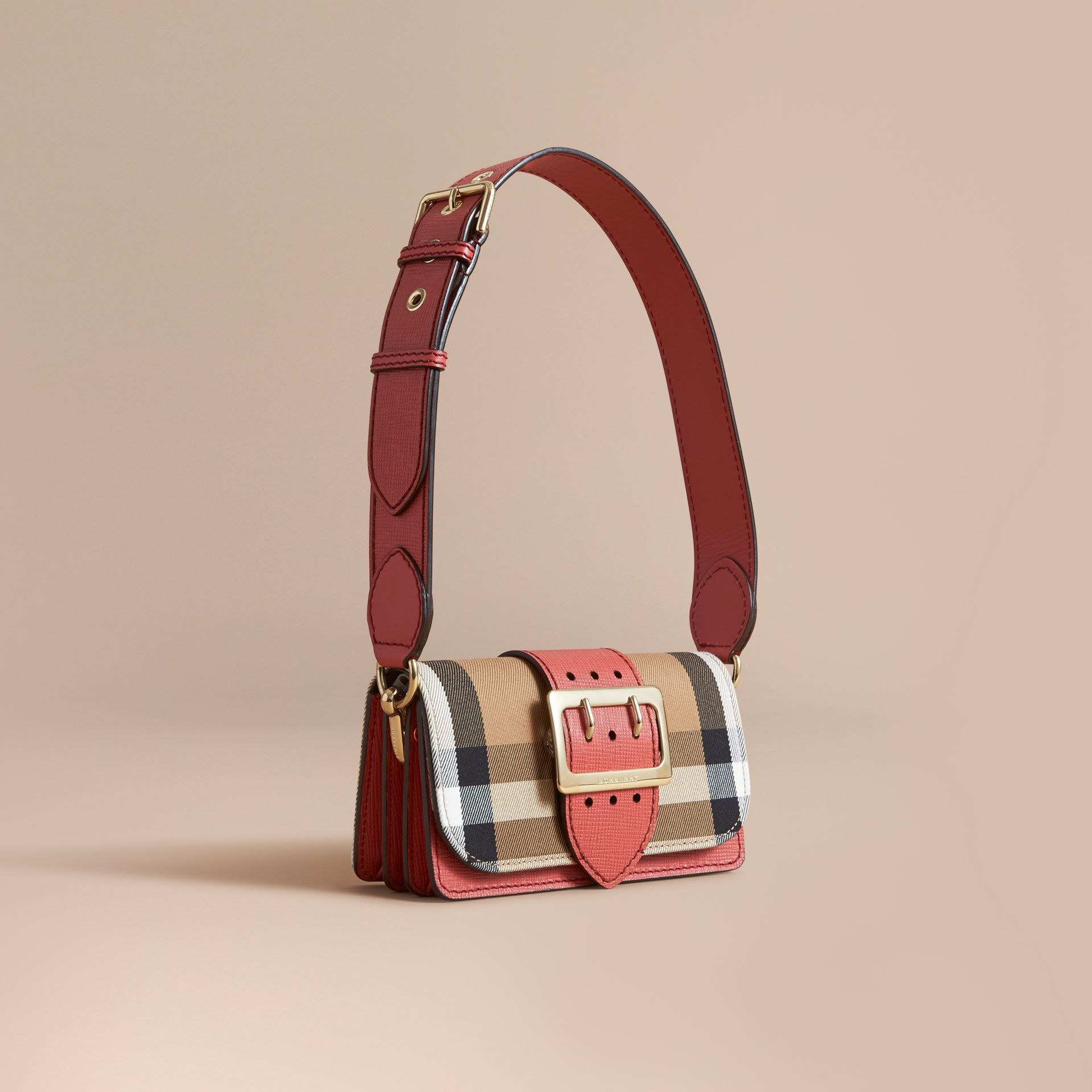 The Small Buckle Bag aus House Check-Gewebe und Leder (Zimtrot) - Damen | Burberry - Galerie-Bild 1