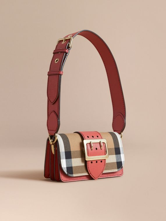 Borsa The Buckle piccola con motivo House check e pelle Rosso Cannella