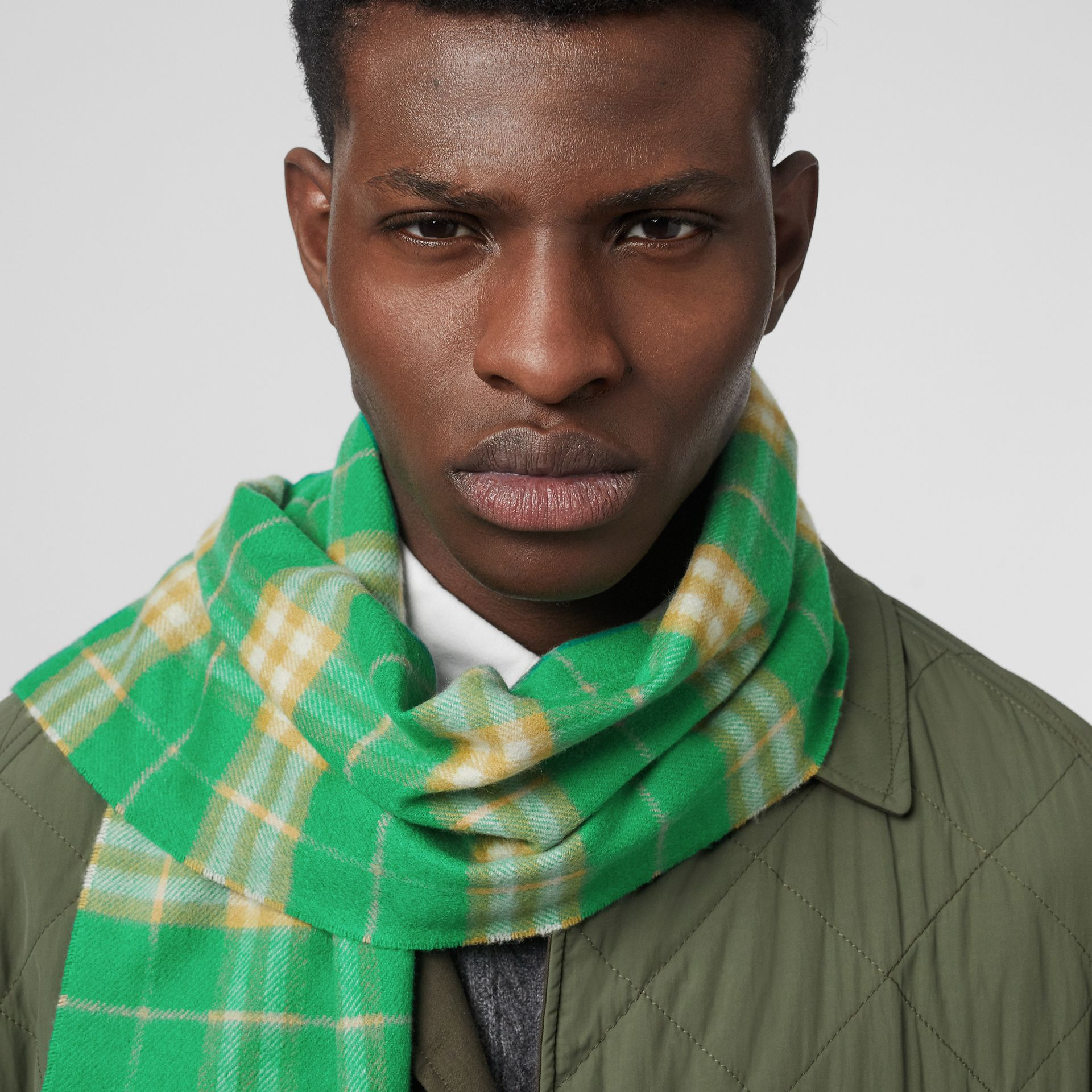The Classic Vintage Check Cashmere Scarf in Tourmaline Green | Burberry Australia - gallery image 3