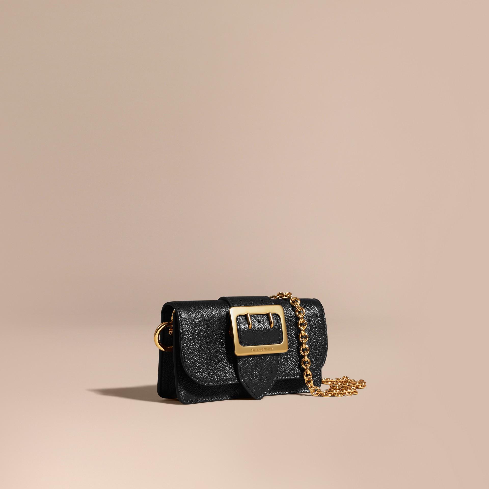 Mini sac The Buckle en cuir grainé Noir - photo de la galerie 1