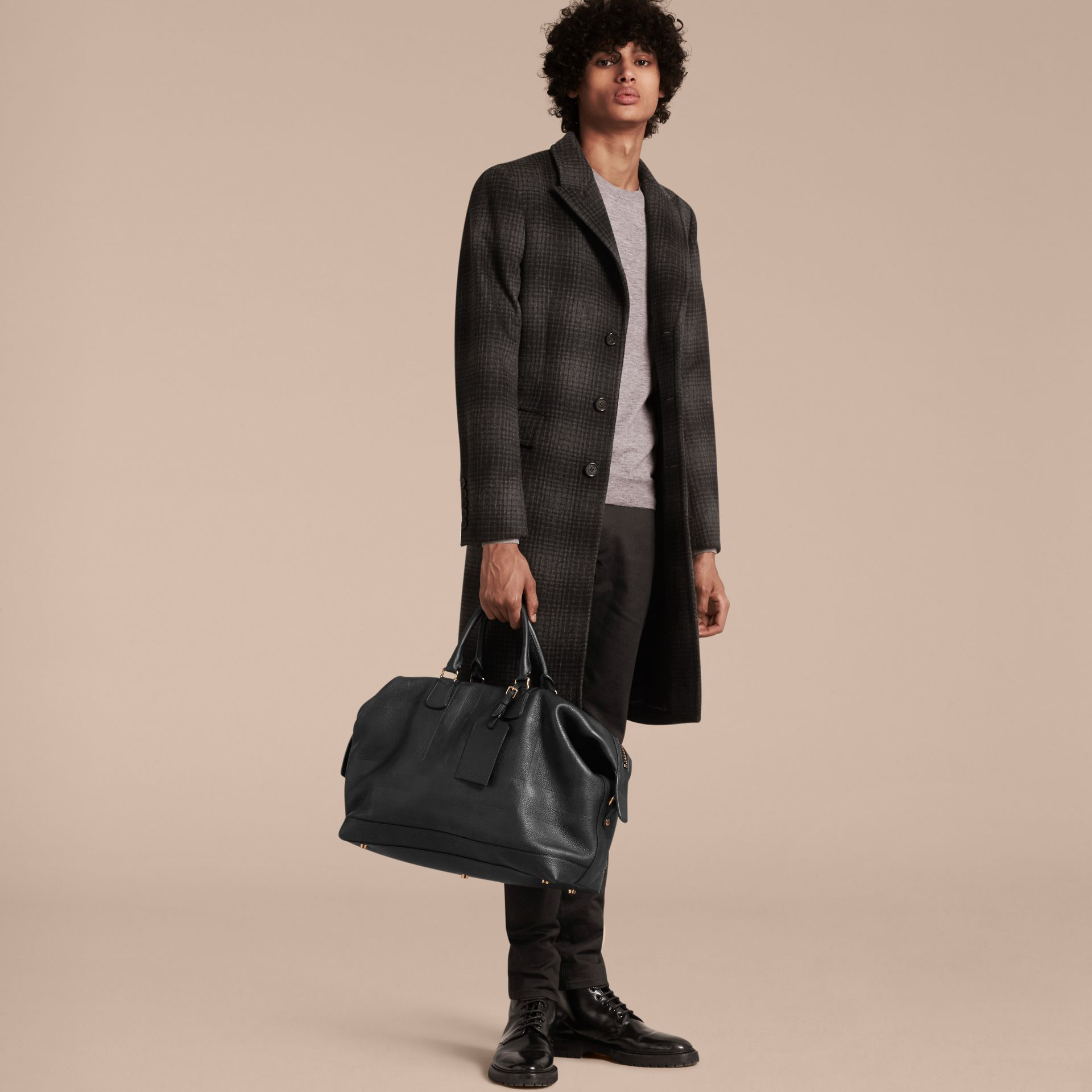 Black Grainy Leather Holdall Black - gallery image 3