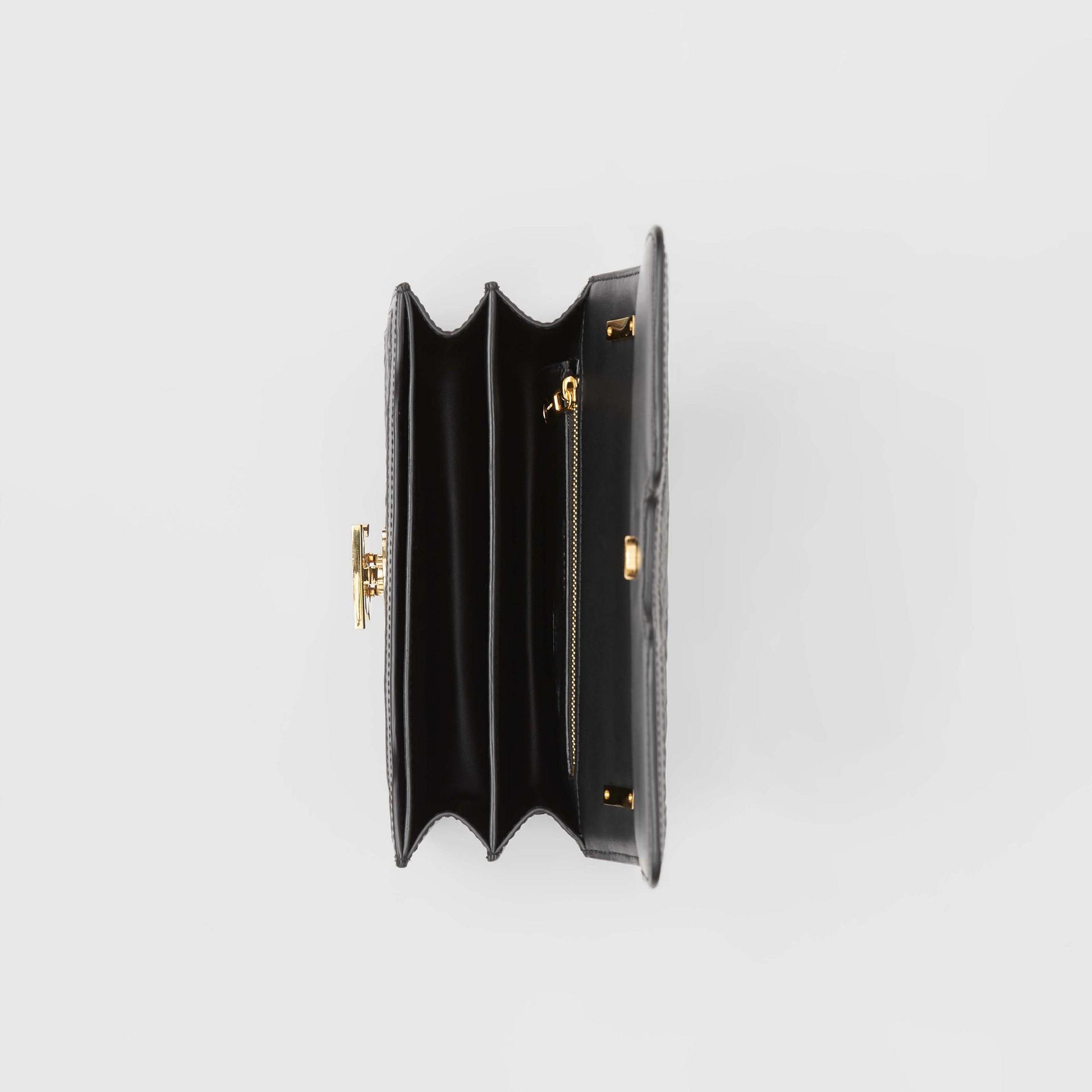 Bolsa TB de couro de cordeiro com monograma - Pequena (Preto) - Mulheres | Burberry - galeria de imagens 3