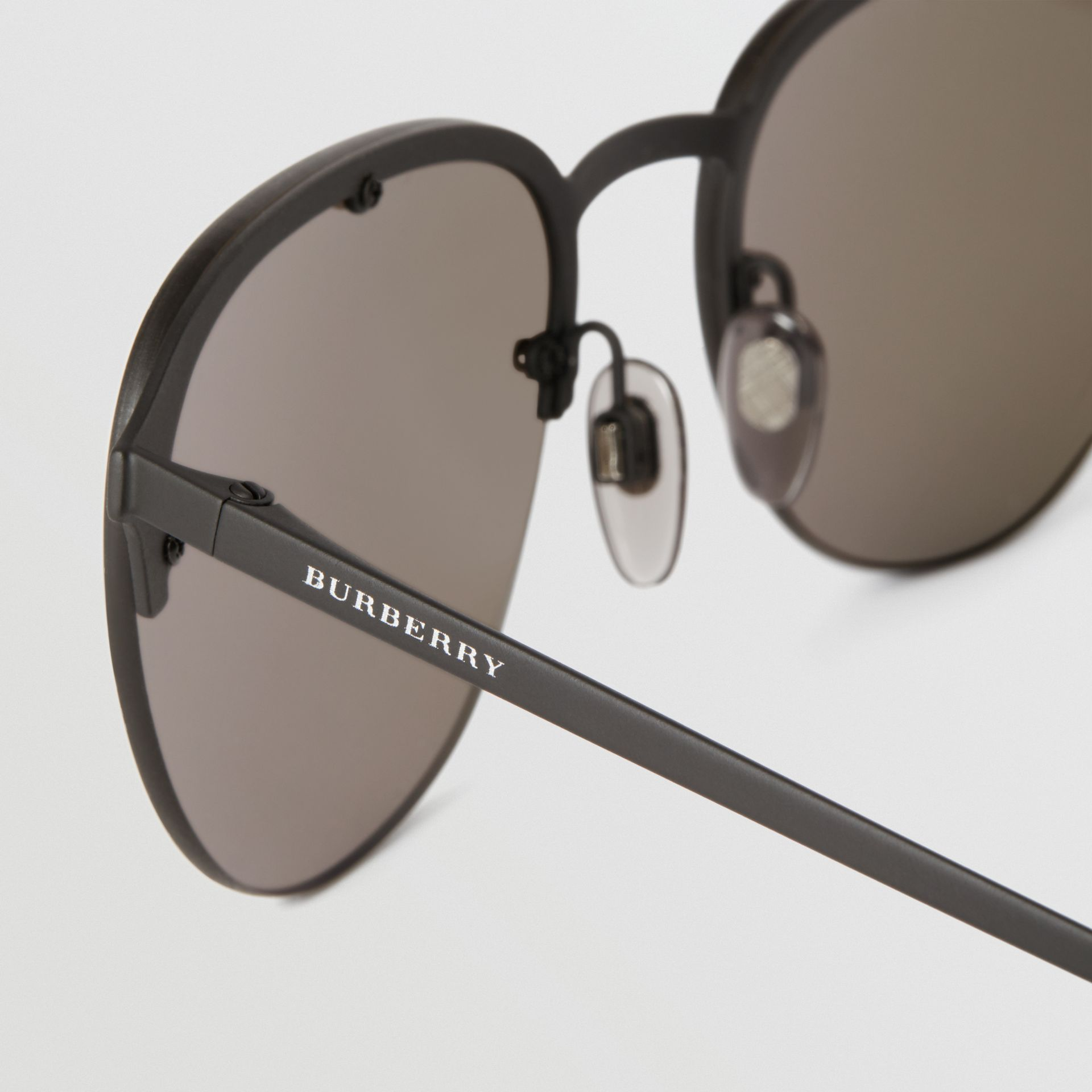 Round Frame Sunglasses in Black - Men | Burberry United Kingdom - gallery image 1