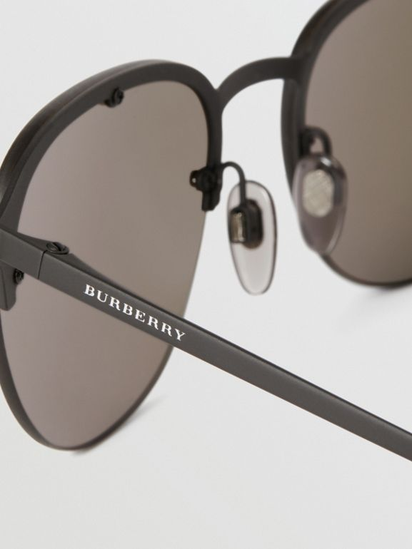 Round Frame Sunglasses in Black - Men | Burberry United Kingdom - cell image 1