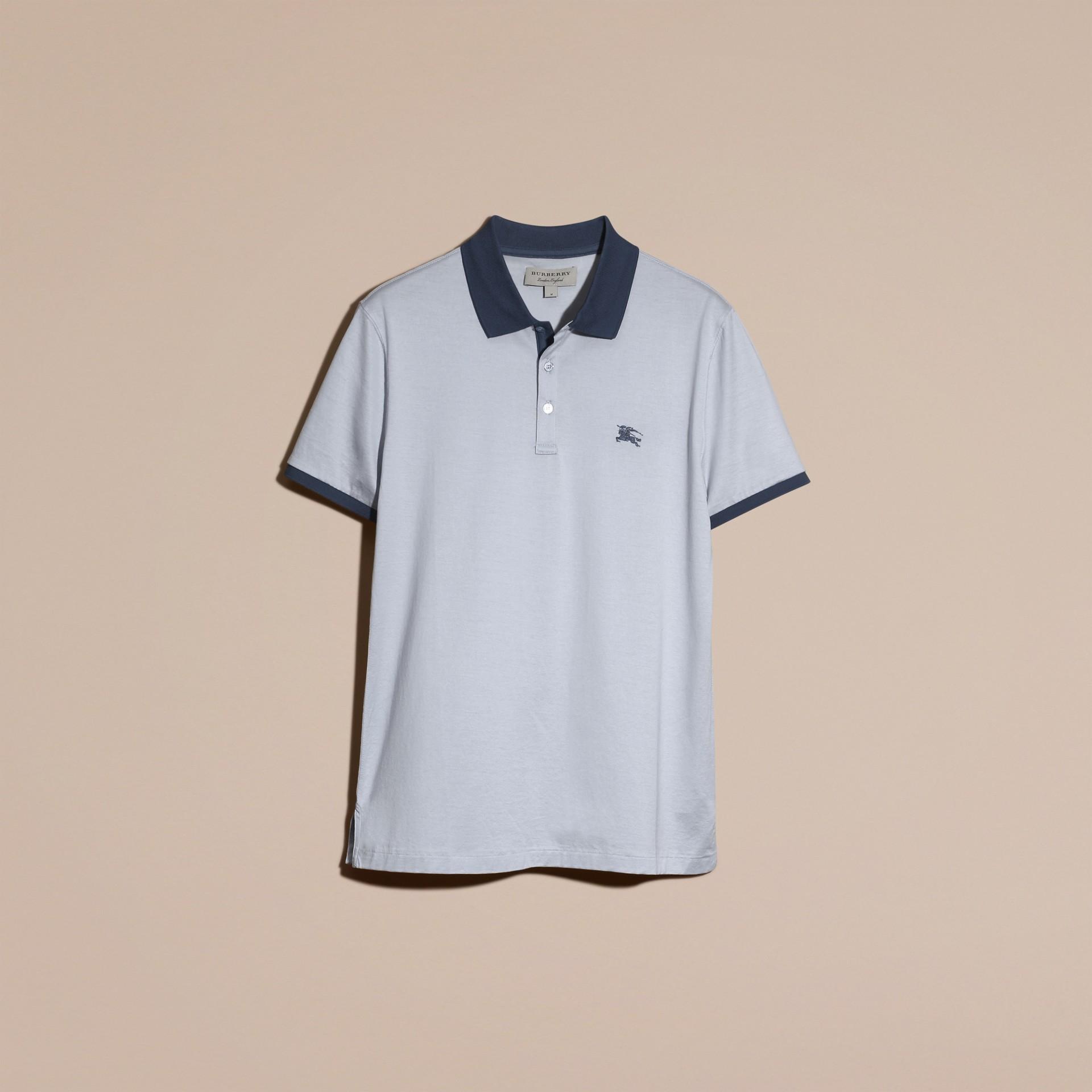 Светло-голубой Узкая футболка-поло с отделкой в тон Светло-голубой - изображение 4