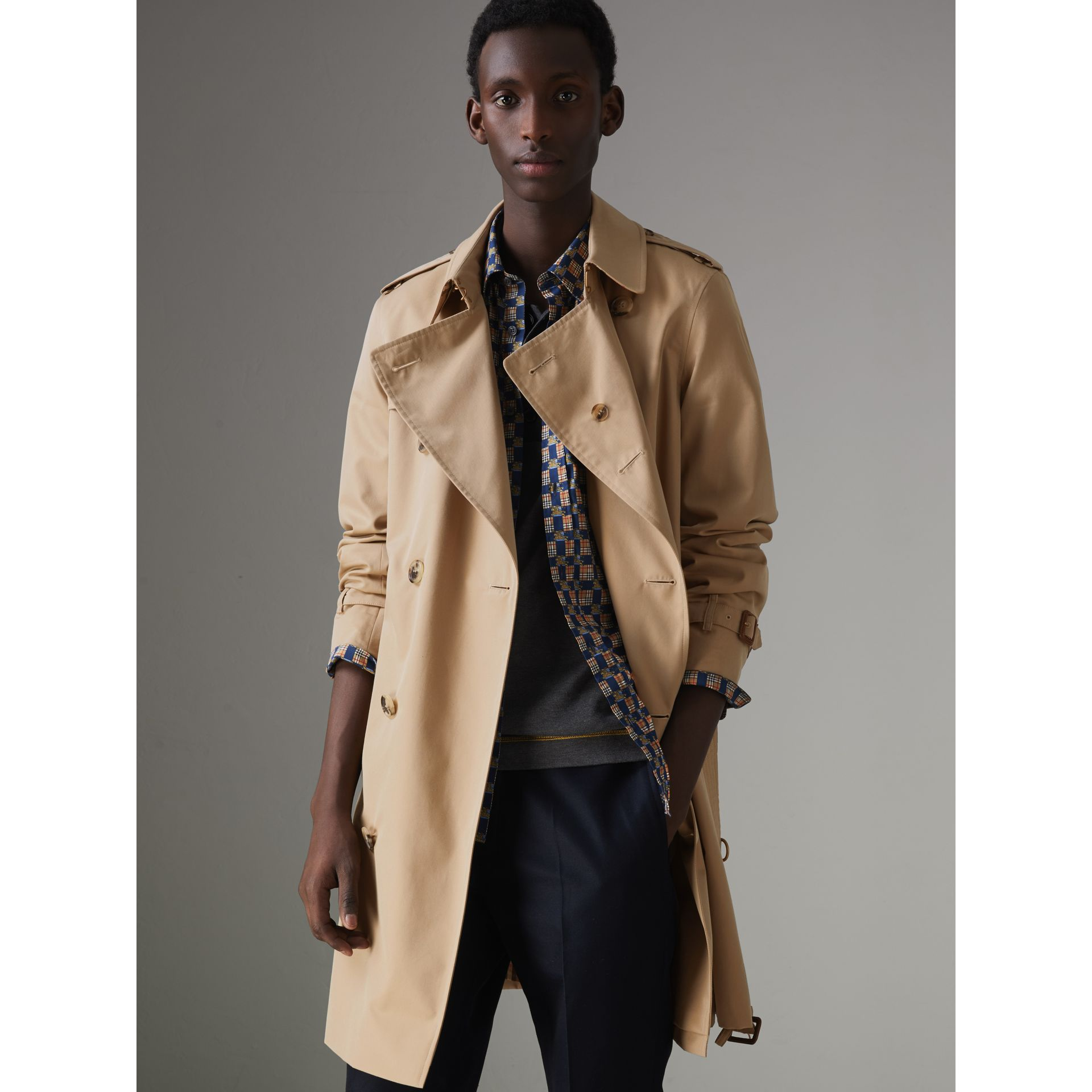 The Chelsea Heritage Trench Coat in Honey - Men | Burberry Hong Kong - gallery image 7
