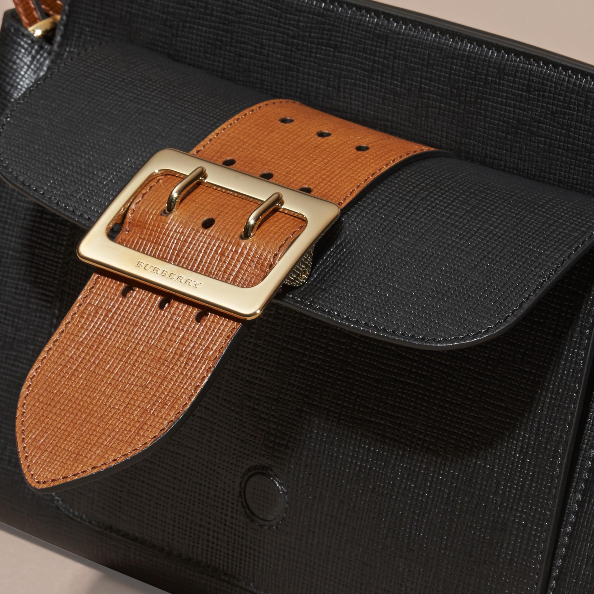 Preto Bolsa clutch Saddle de couro texturizado e aderido - galeria de imagens 7