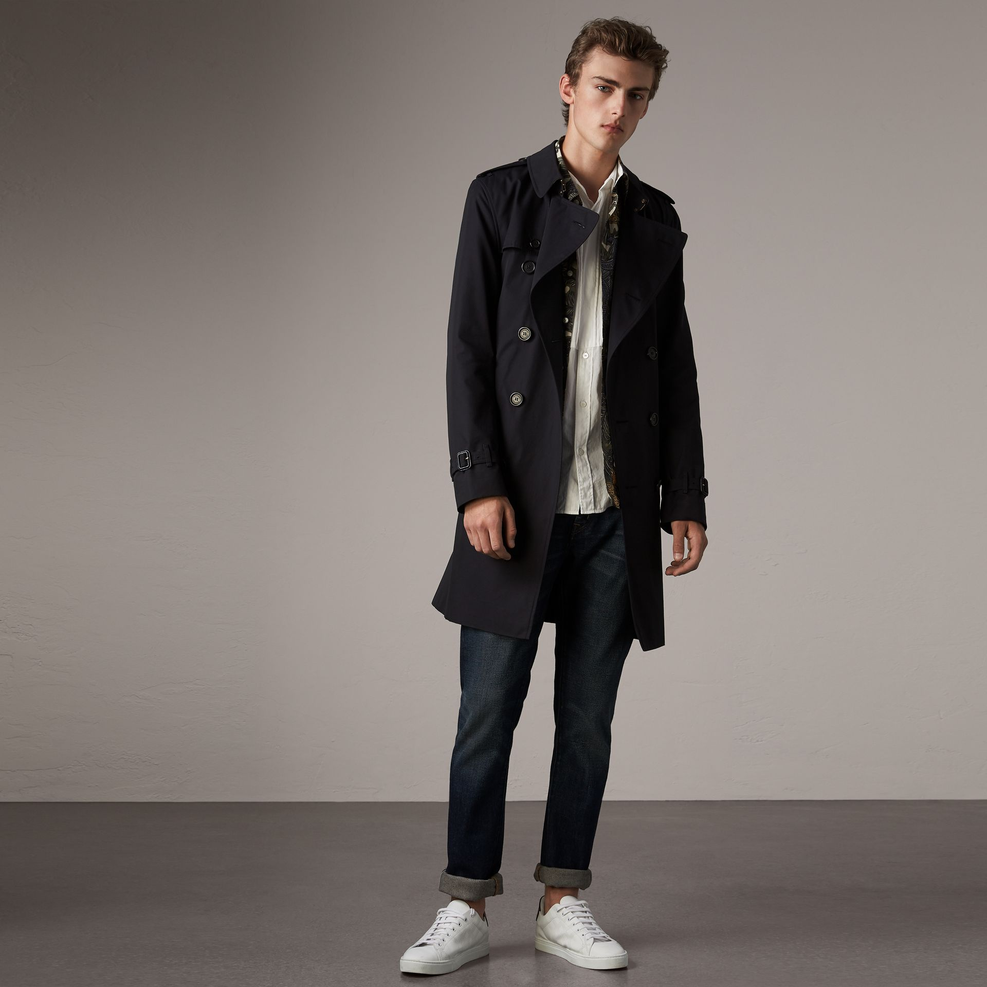 The Kensington – Long Trench Coat in Navy - Men | Burberry - gallery image 0