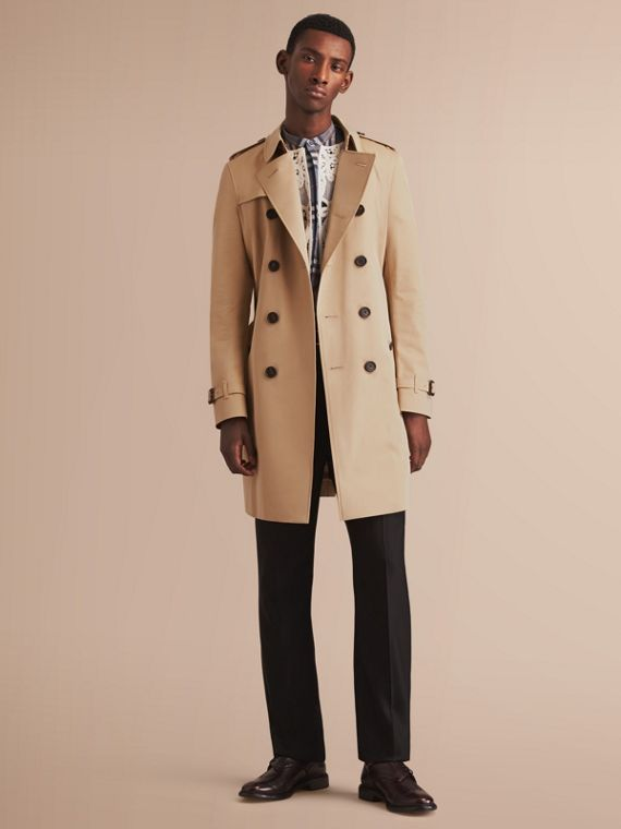 The Chelsea – Long Heritage Trench Coat in Honey - Men | Burberry Singapore