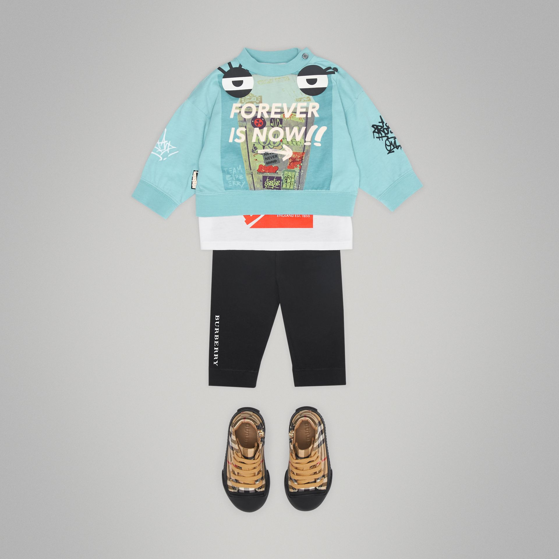 Sweat-shirt en coton à imprimé « Forever is Now » (Turquoise) - Enfant | Burberry - photo de la galerie 2