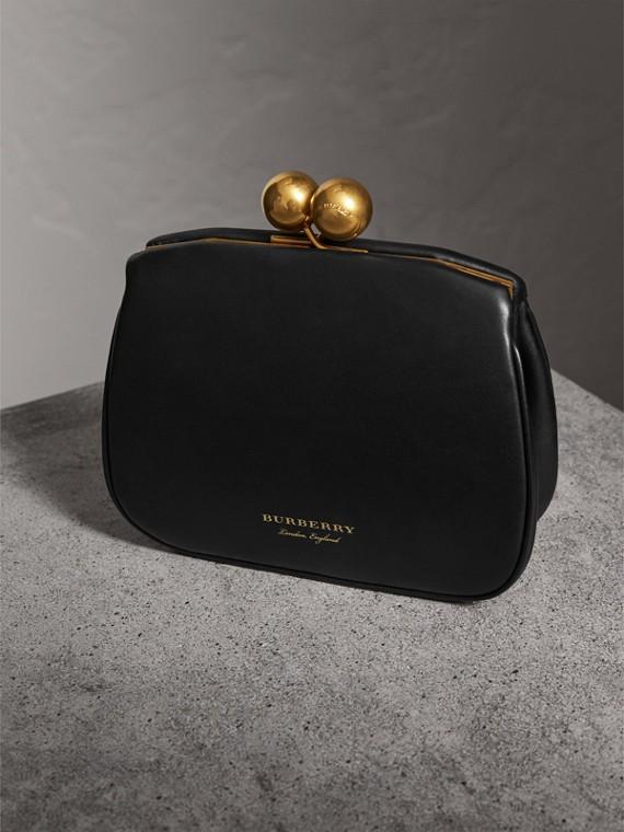 Bolsa clutch pequena de couro com armação de metal (Preto) - Mulheres | Burberry - cell image 3