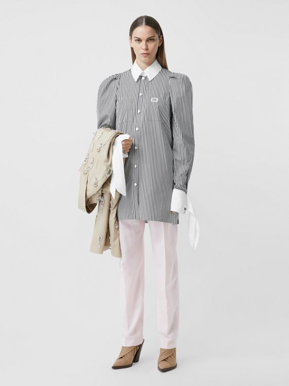 Vestido estilo camisa de popeline de algodão listrado com etiqueta de logotipo (Preto)
