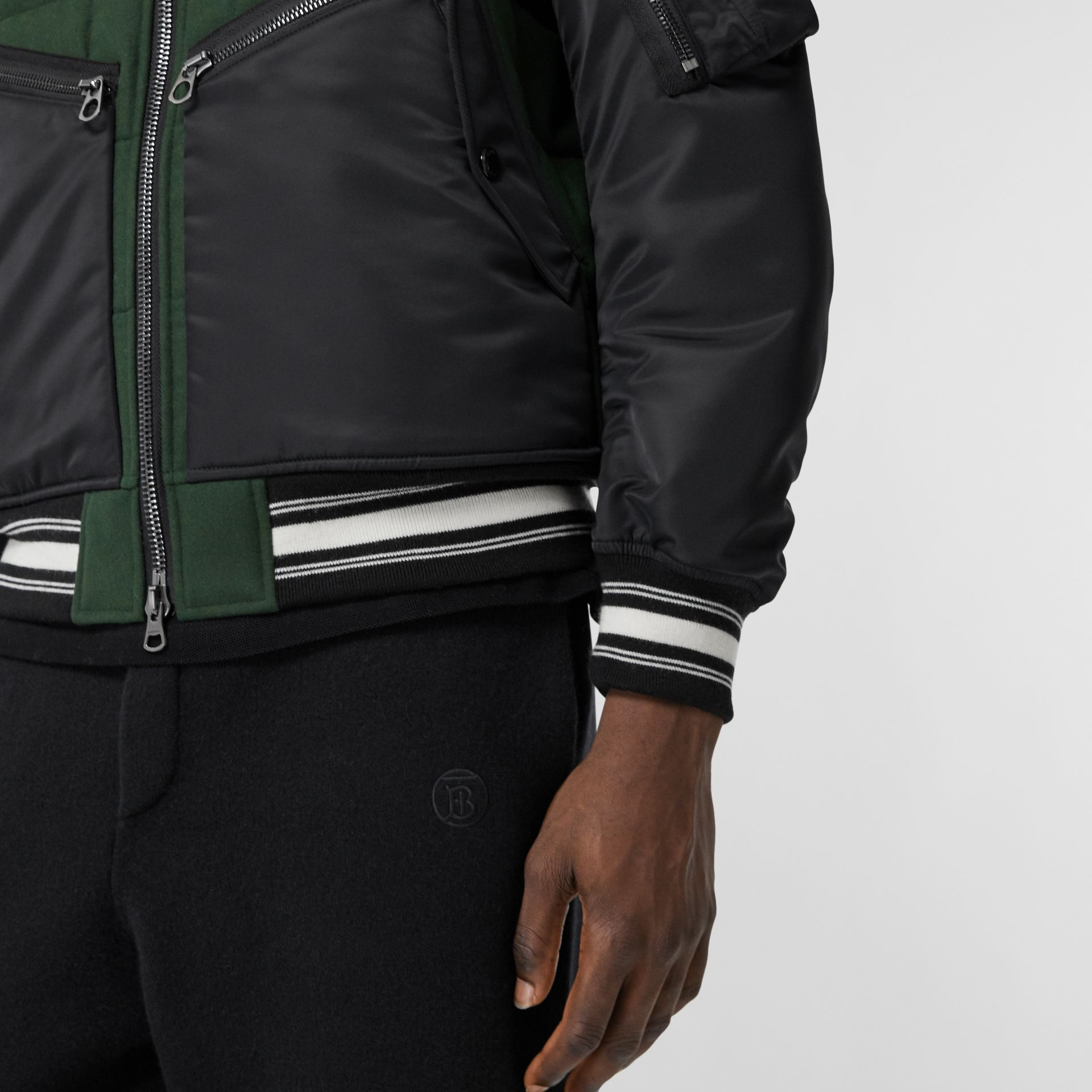 Contrast Sleeve Logo Graphic Wool Bomber Jacket in Dark Pine Green - Men | Burberry Hong Kong S.A.R - gallery image 4