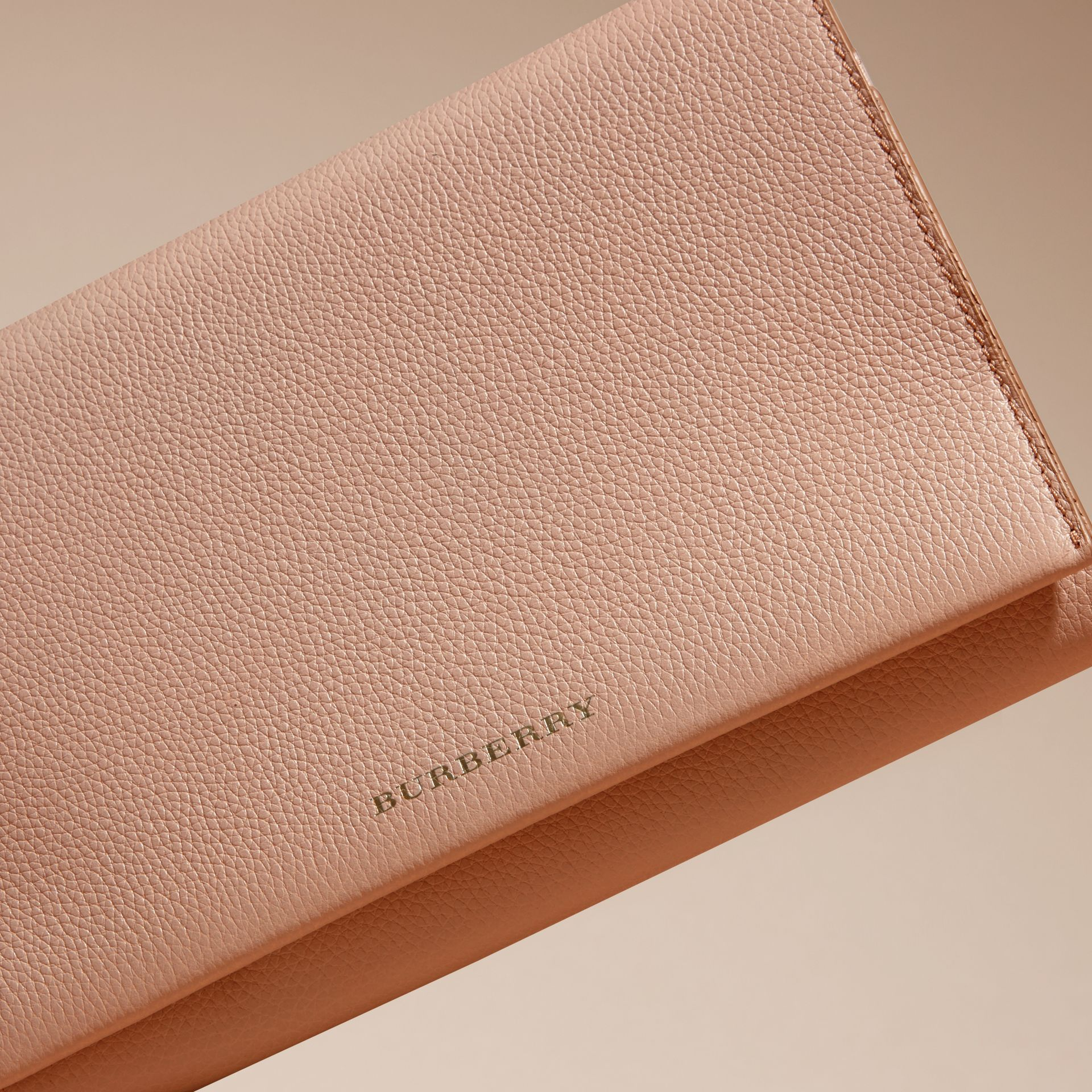 Pale apricot Grainy Leather Travel Wallet Pale Apricot - gallery image 3