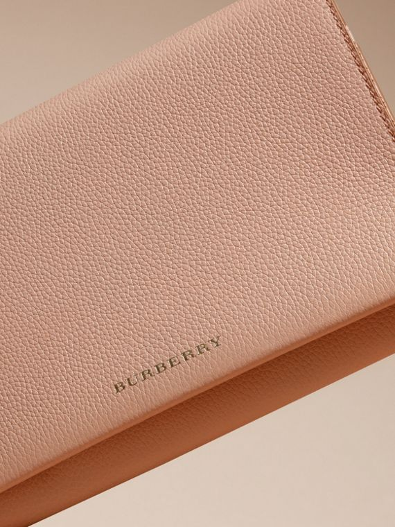 Pale apricot Grainy Leather Travel Wallet Pale Apricot - cell image 2