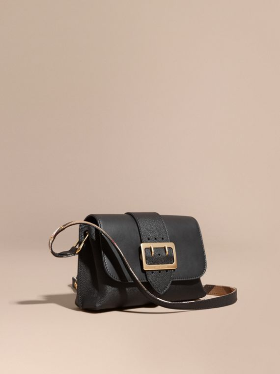 The Buckle Crossbody Bag in Leather in Black