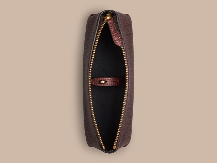 Rosso ebano Pochette piccola porta accessori digitali in pelle a grana Rosso Ebano - cell image 1