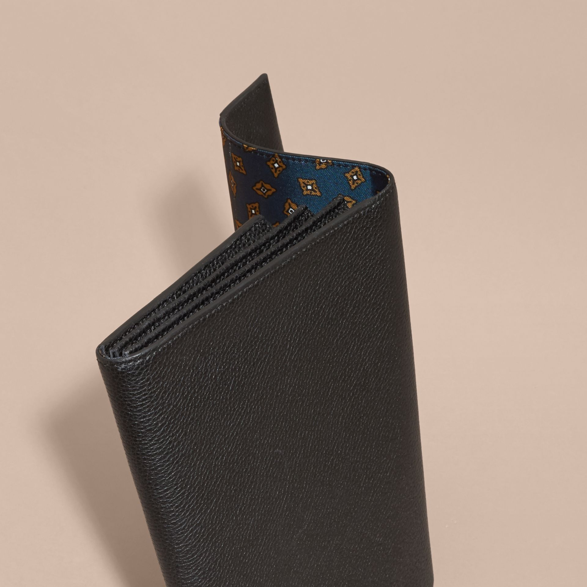 Black Grainy Leather Travel Wallet Black - gallery image 5