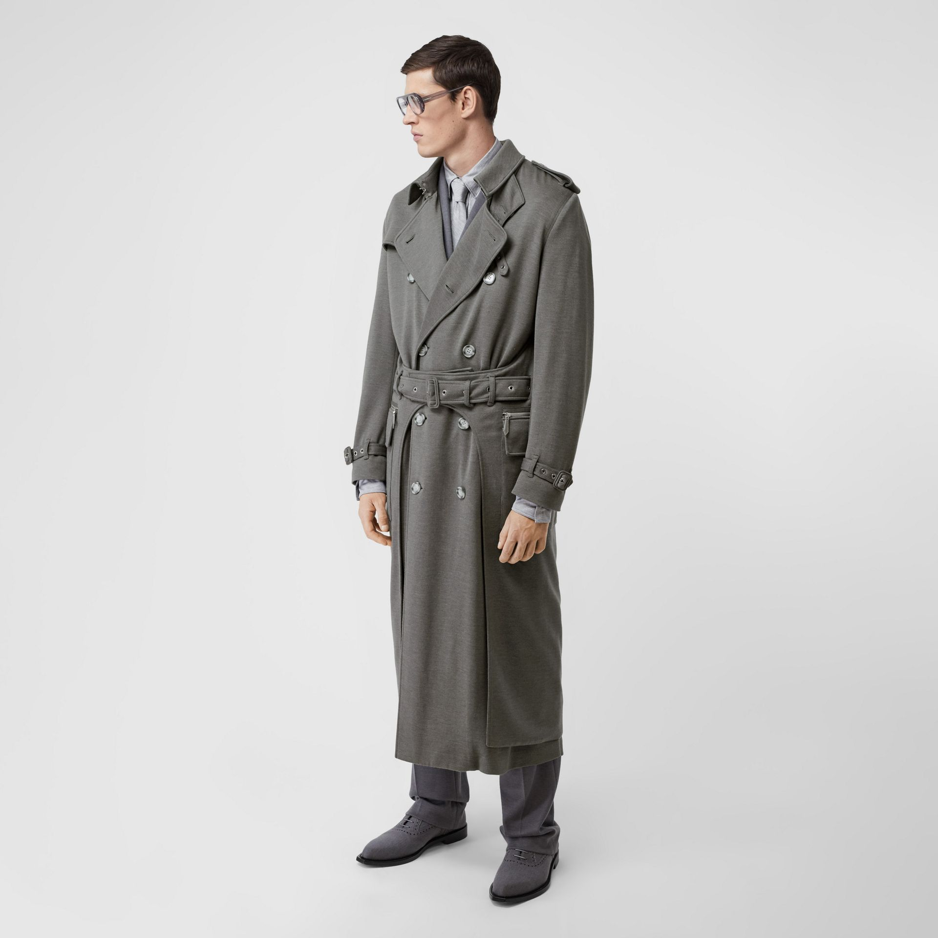 Cargo Pocket Detail Cashmere Silk Trench Coat in Cloud Grey - Men | Burberry - gallery image 6