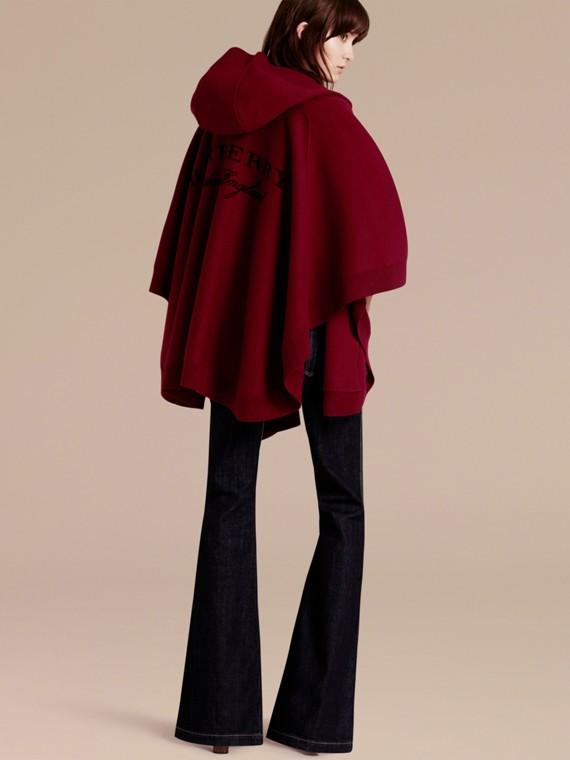 Rouge intense Poncho à capuche en laine et cachemire mélangés Rouge Intense - cell image 2