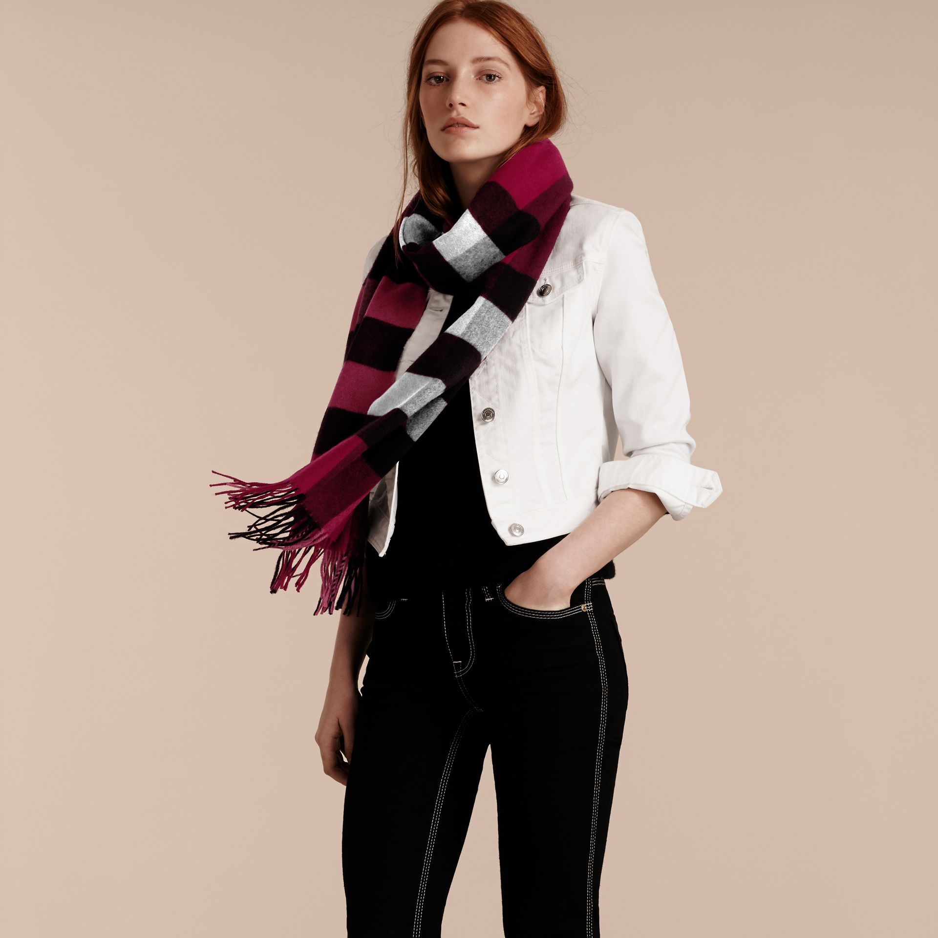 The Large Classic Cashmere Scarf in Check in Plum | Burberry United States - gallery image 2