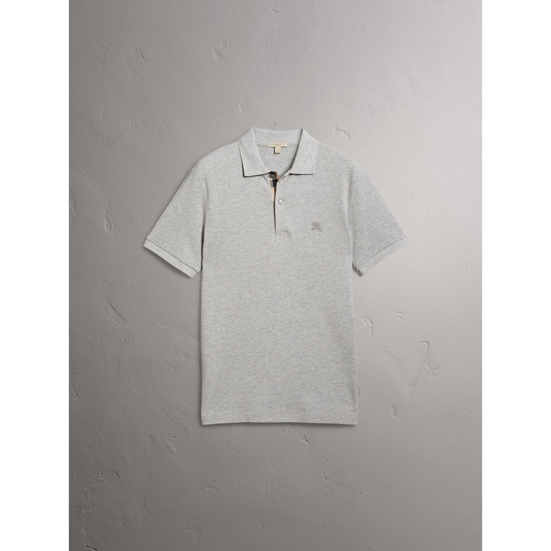 Polo in cotone piqué con paramontura check (Grigio Pallido Mélange) - Uomo | Burberry - immagine della galleria 5