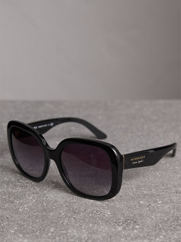 Square Frame Sunglasses in Black - Women | Burberry Australia - cell image 2