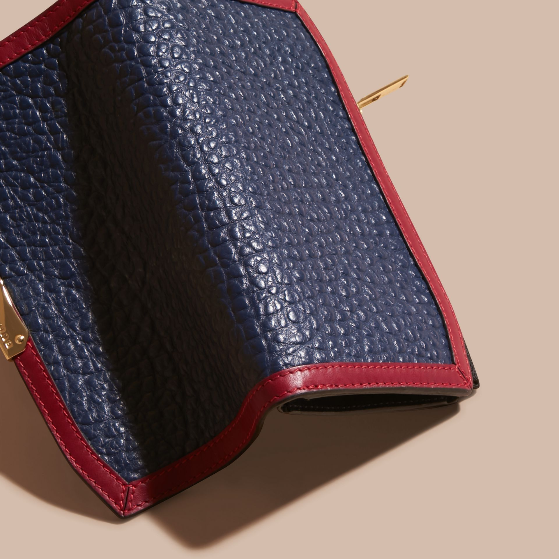 Blue carbon/parade red Border Detail Signature Grain Leather Ziparound Wallet - gallery image 4