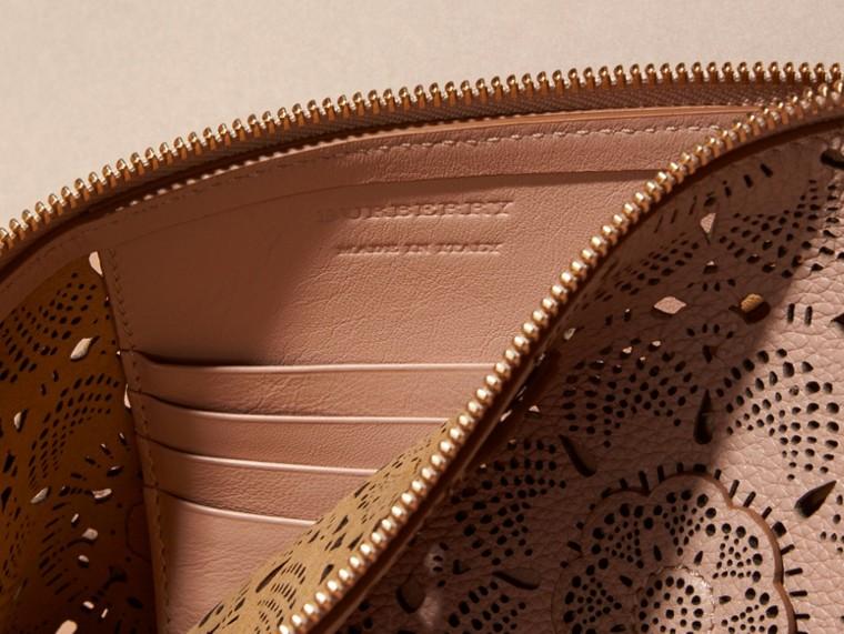 Pale apricot Laser-cut Floral Lace Leather Clutch Bag Pale Apricot - cell image 4