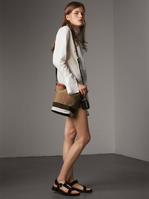 The Ashby piccola con pelle e motivo Canvas check (Nero) - Donna | Burberry - cell image 2