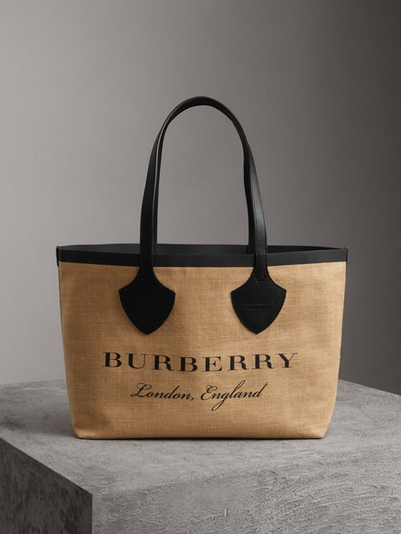 The Medium Giant Tote in Graphic Print Jute in Black