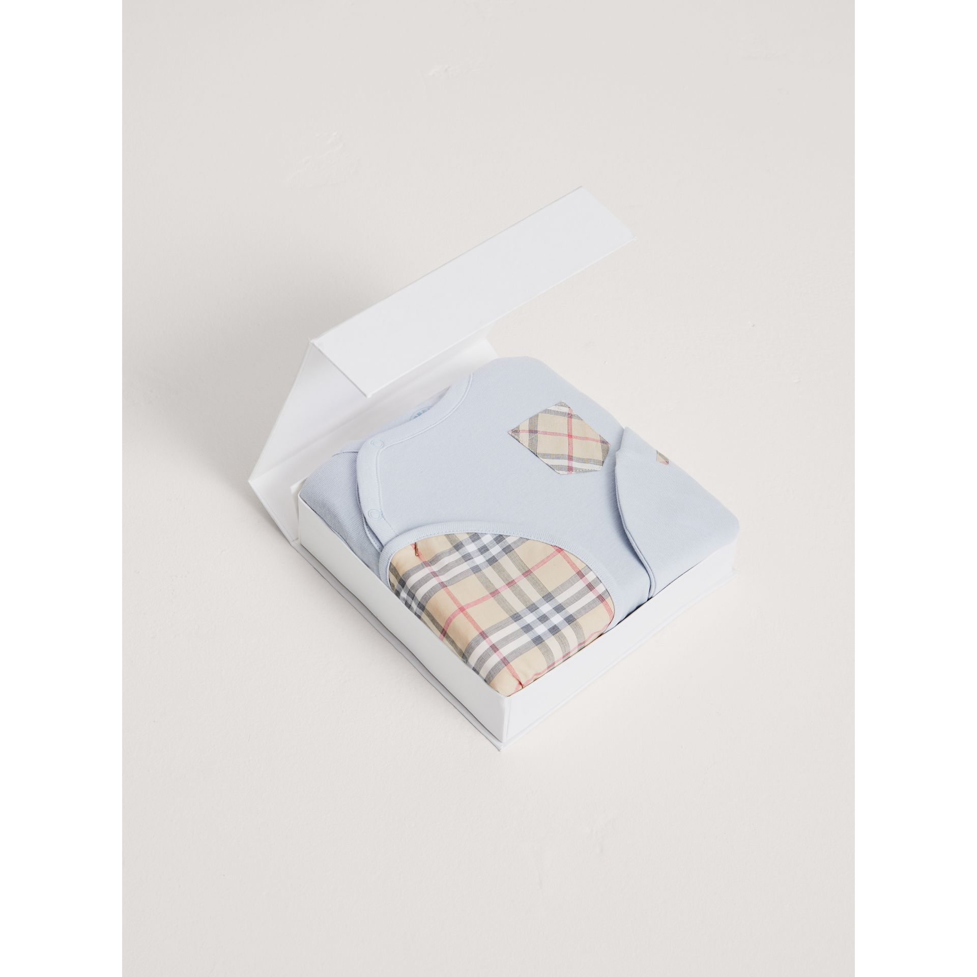 Check Cotton Three-piece Baby Gift Set in Ice Blue | Burberry - gallery image 3