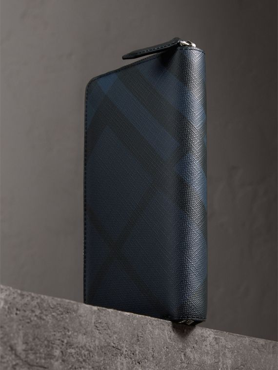 London Check Ziparound Wallet in Navy/black - Men | Burberry Australia - cell image 2