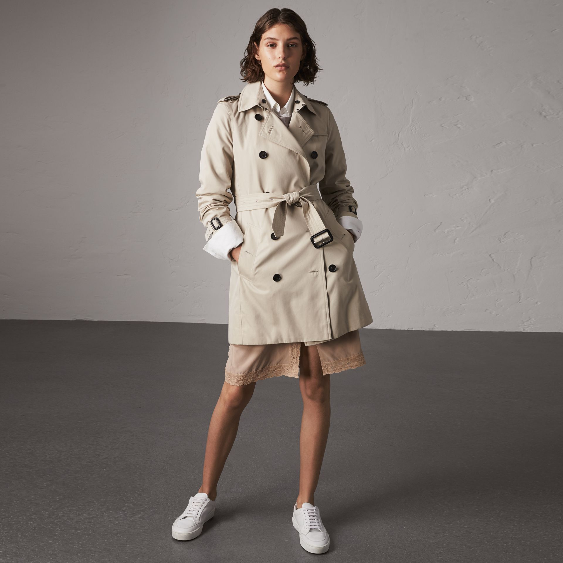 The Kensington – Mid-length Trench Coat in Stone - Women | Burberry Australia - gallery image 0