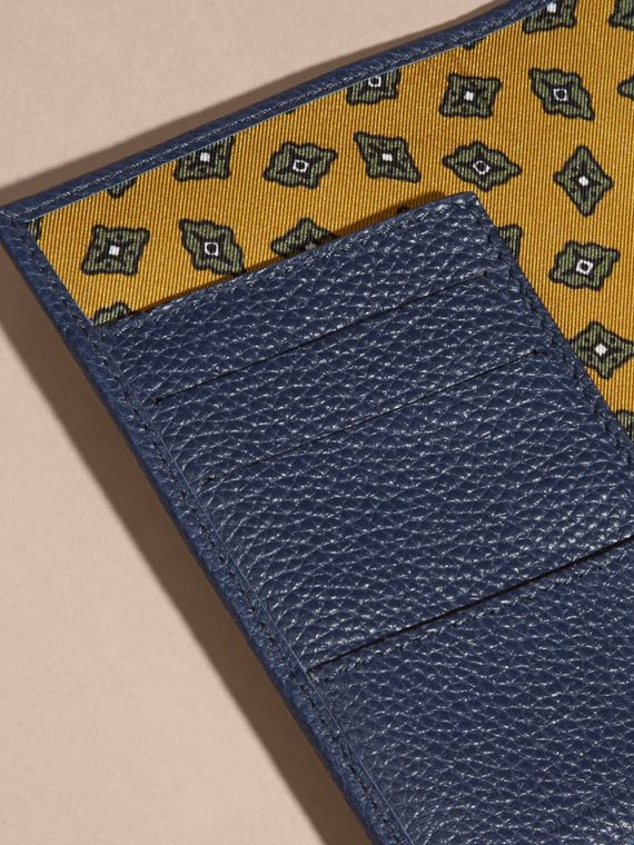 Bright navy Grainy Leather Passport and Card Holder Bright Navy - cell image 3