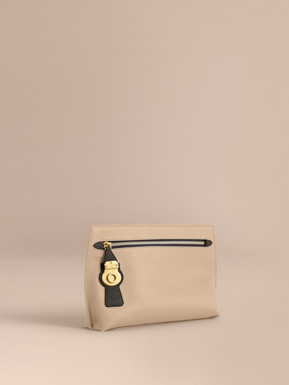 Two-tone Trench Leather Wristlet Pouch in Limestone/black