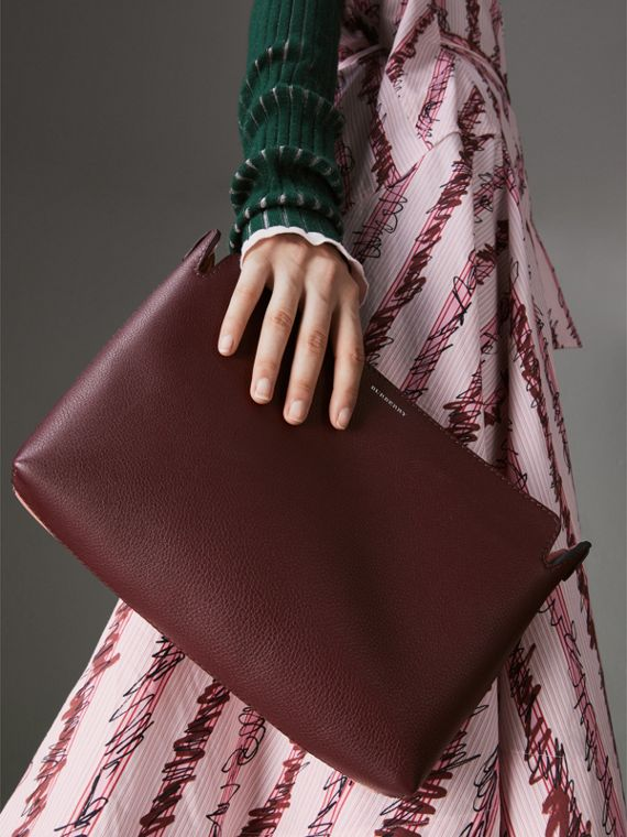 Medium Tri-tone Leather Clutch in Deep Claret/dusty Rose - Women | Burberry - cell image 3