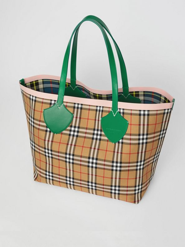 The Giant Reversible Tote in Vintage Check in Palm Green/pink Apricot