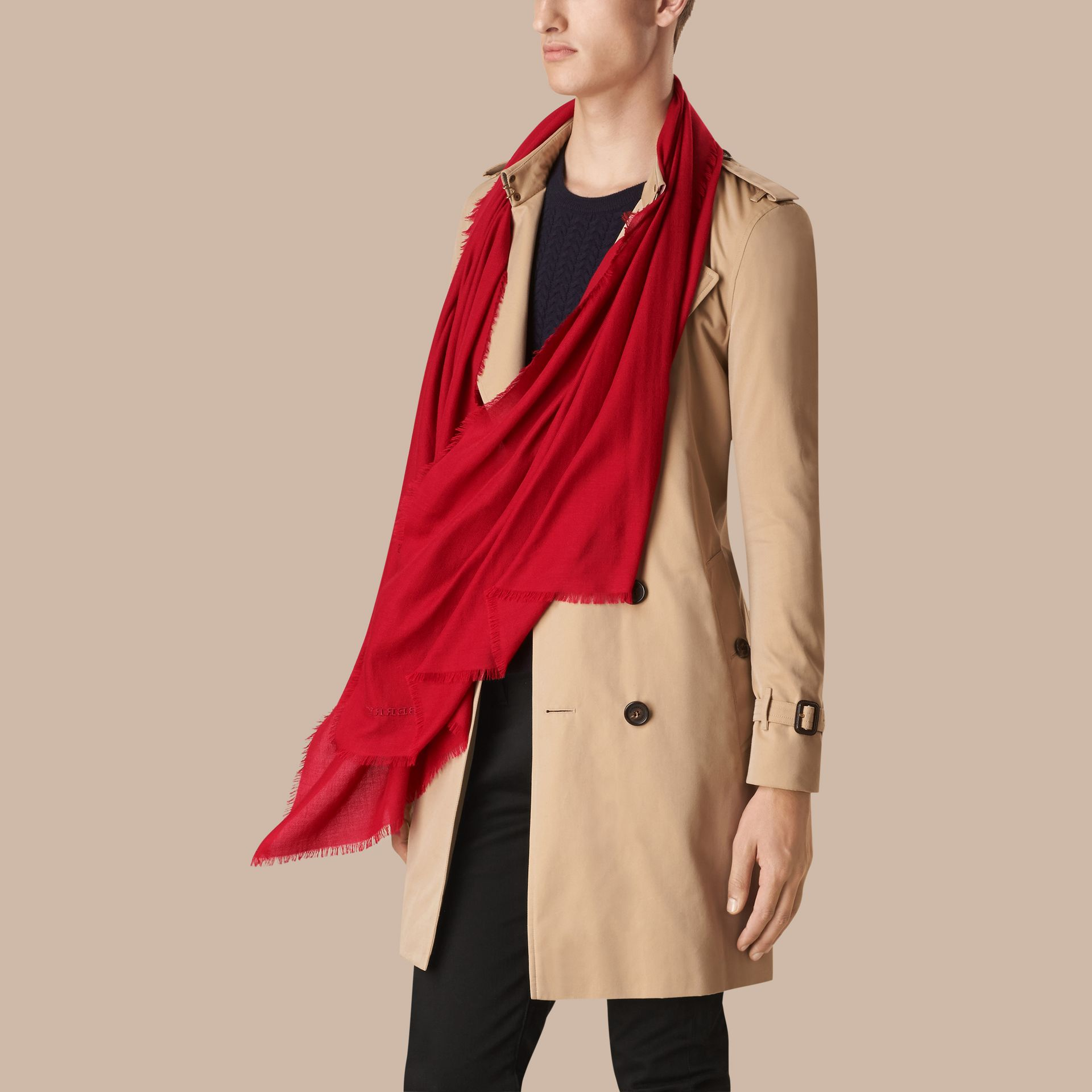 Parade red The Lightweight Cashmere Scarf Parade Red - gallery image 4