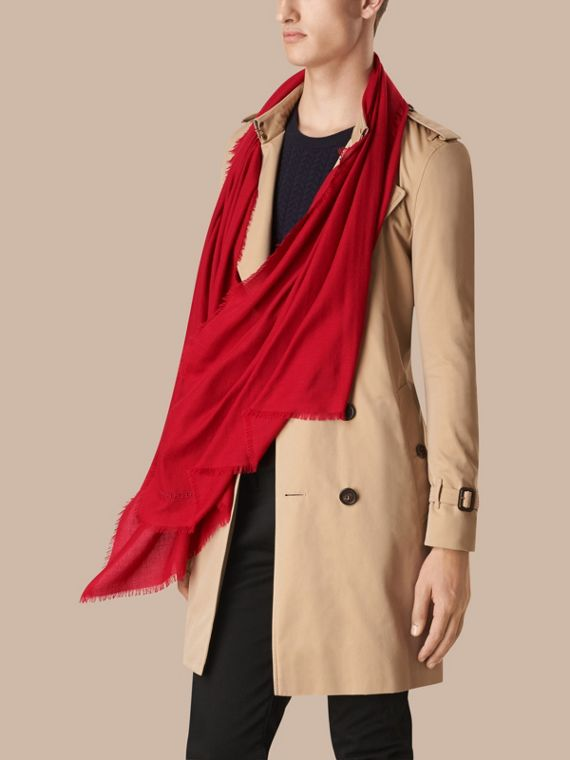 Parade red The Lightweight Cashmere Scarf Parade Red - cell image 3